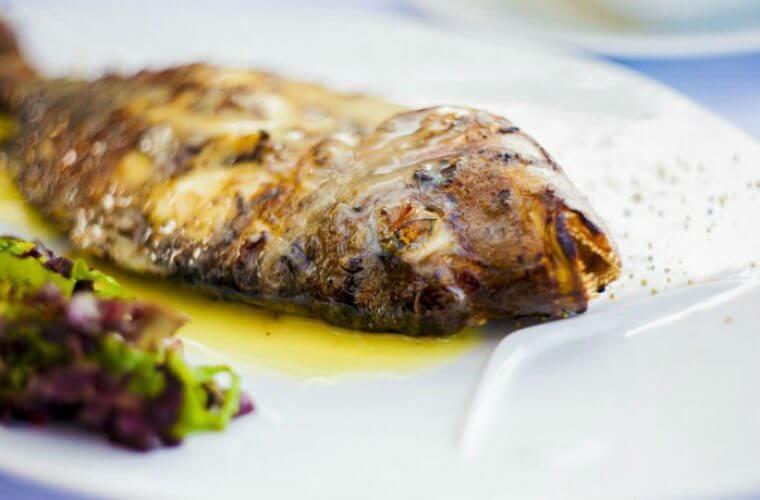Πώς καταλαβαίνουμε ότι το ψάρι είναι φρέσκο και tips ψησίματος